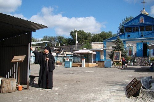 За два месяца возле взорванного храма поставят деревянную церковь (ФОТО), фото-1