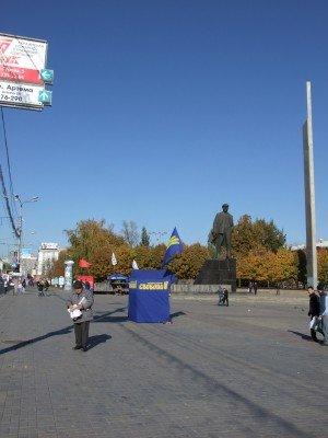 Последний день предвыборной агитации в Донецке прошел на удивление скучно (фото), фото-1