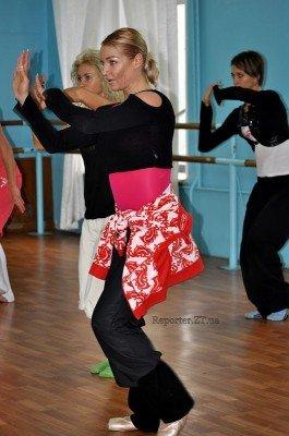 Анастасия Волочкова ставит совместный номер с ребятами из житомирского танцевального коллектива «Солнышко»  (ФОТО), фото-2