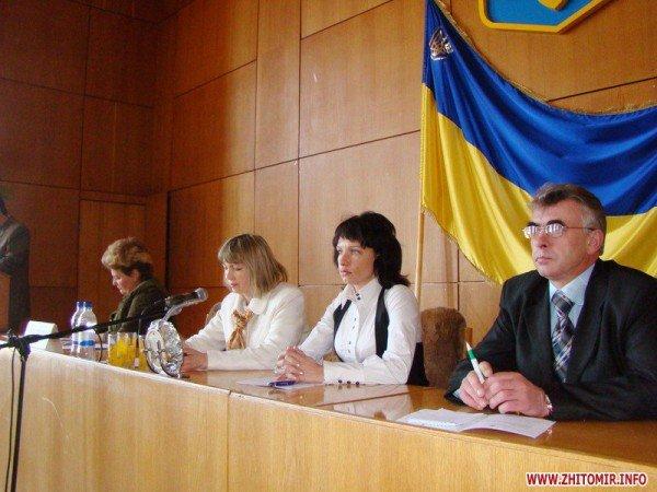 В Житомире райсоветы ушли из-под контроля «регионалов», фото-4