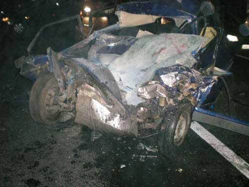 В результате столкновения ВАЗа и автобуса один человек погиб, девять пострадало (ФОТО), фото-1