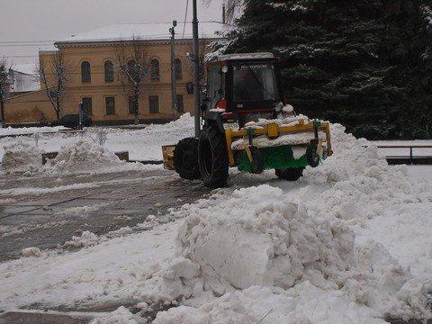 Житомирские коммунальщики оказались не готовы к первому снегу (ФОТО), фото-1