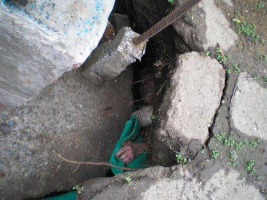 В Бердянске 85-летний мужчина провалился в колодец (ФОТО), фото-1