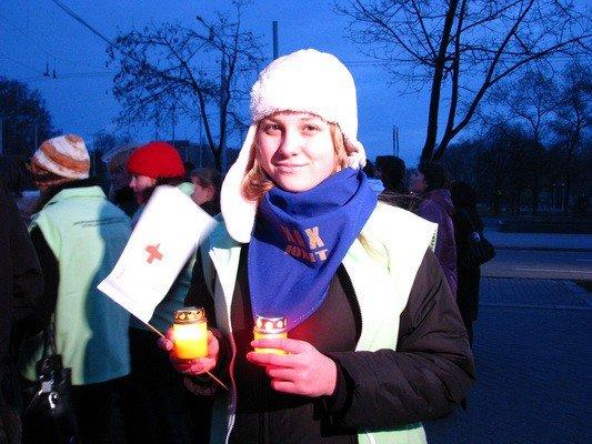 ФОТОФАКТ: В Запорожье прошел «свечной ход» в честь Международного дня солидарности с больными СПИДом, фото-2