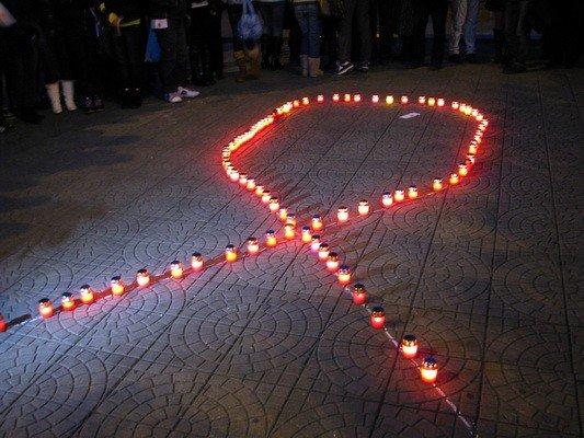 ФОТОФАКТ: В Запорожье прошел «свечной ход» в честь Международного дня солидарности с больными СПИДом, фото-4