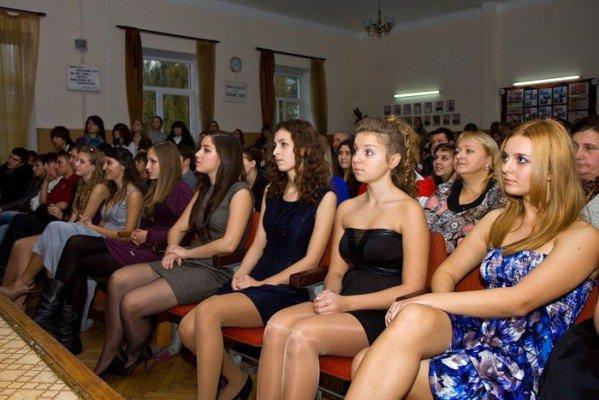 В ялтинской школе-лицее № 9 выбрали королеву красоты (ФОТО), фото-2