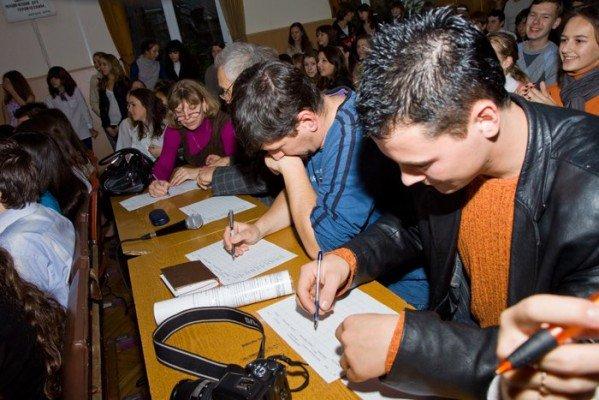 В ялтинской школе-лицее № 9 выбрали королеву красоты (ФОТО), фото-3