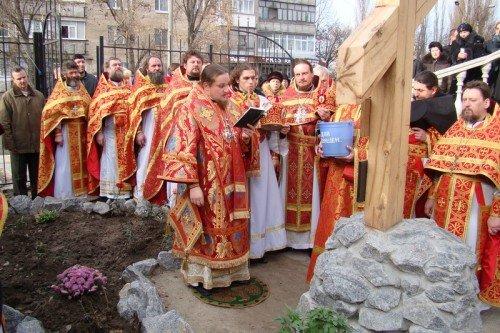 Епископ Иосиф освятил поклонный крест в Мелитополе (ФОТО), фото-2