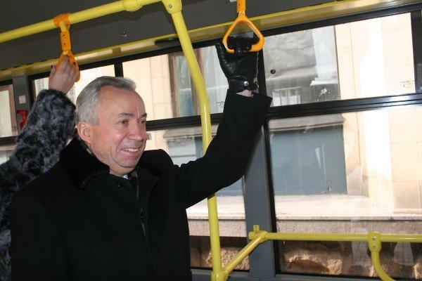 16 новых автобусов с символикой «Евро-2012» вышли на улицы Донецка (фото), фото-2