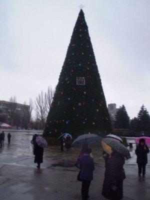 В День Святого Николая запорожскую елку так и не открыли, но обещают открыть сегодня (ФОТО), фото-1