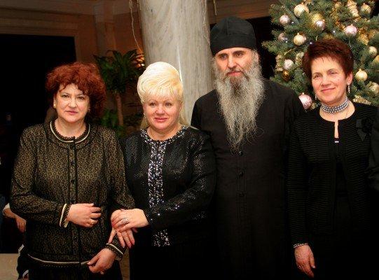 Людмила Янукович посмотрела в Донецке, как зажигаются звезды (фото), фото-3