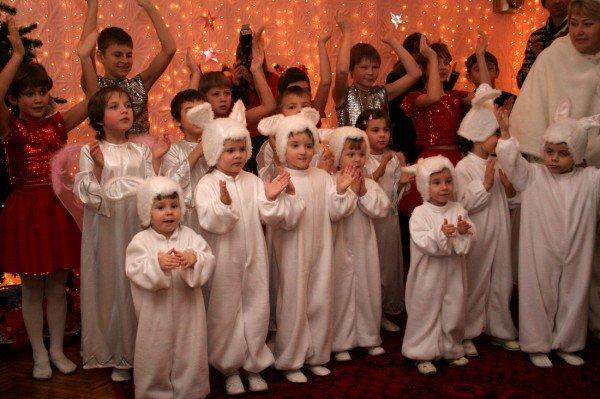 Ринат Ахметов и Игорь Крутой поздравили донецких детей с днем Святого Николая  (фото), фото-1