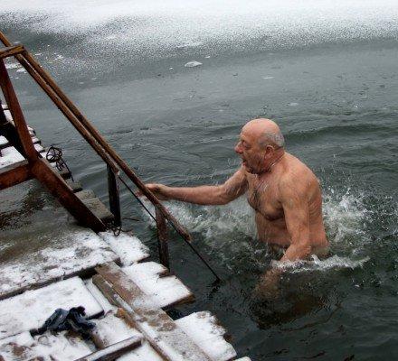 Донецкие моржи отметили год Кролика в воде (фото), фото-1