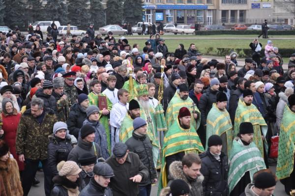 В Николаеве православные в день Крещения вышли на Крестный ход, фото-2