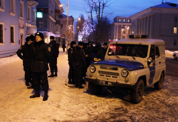 Затаившиеся террористы и ночная Макеевка (фоторепортаж), фото-1