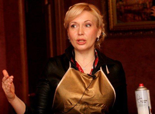 В Донецке нарисовали портрет любимого дизайнера Аллы Пугачевой (фото), фото-2