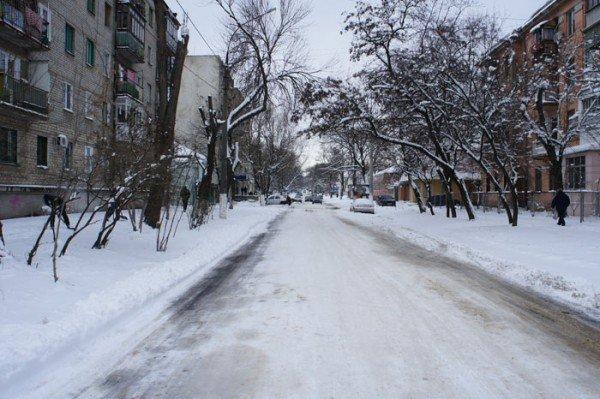 Городская власть борется с непогодой, но результаты пока малозаметны (ФОТО), фото-1