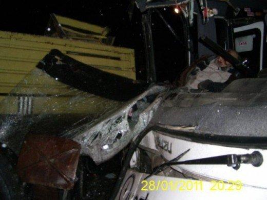 Под Симферополем автобус влетел в КАМАЗ — погиб пассажир (ФОТО), фото-1