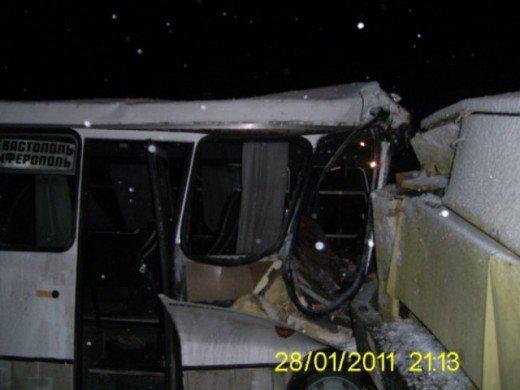 Под Симферополем автобус влетел в КАМАЗ — погиб пассажир (ФОТО), фото-2