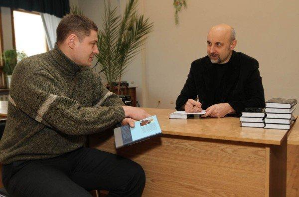 Дончанин написал книгу об истории Донецка (фото), фото-2