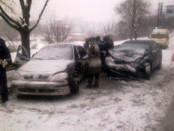 В Донецке во время снегопада произошло 29 ДТП (фото), фото-1