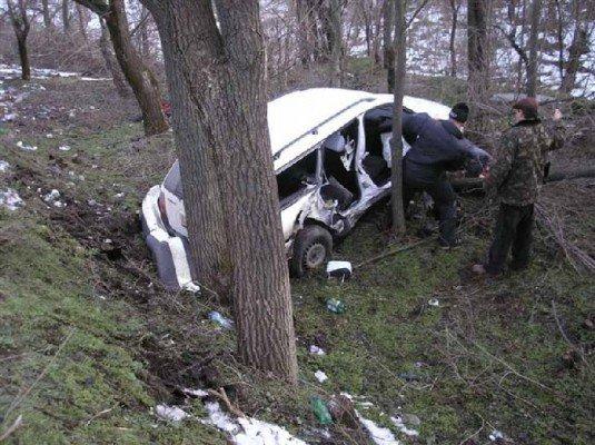 На Днепропетровщине Volkswagen въехал в ВАЗ: есть жертвы (ФОТО), фото-2
