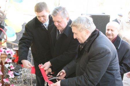 У селі Кальне, на Тернопільщині, відкрито новий корпус школи (ФОТО), фото-1