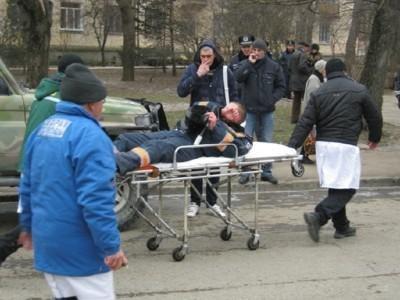 В Симферополе во время митинга гаишник угодил под колеса внедорожника (ФОТО), фото-4