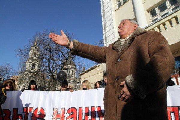 На митинге против закрытия центральной школы Донецка прозвучали обвинения в адрес зама губернатора (фото), фото-2