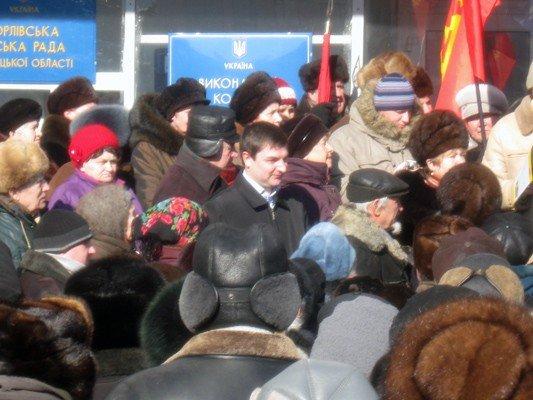 В Горловке активисты требовали не повышать тарифы на тепло и не ремонтировать дороги, фото-3