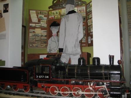 В музее истории Горловки открыли «зал-вокзал» и выставили на обозрение пулемет «Максим», фото-2