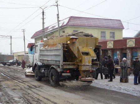 Движение по улице Первомайской было затруднено из-за забоя канализации в столовой техникума, фото-1
