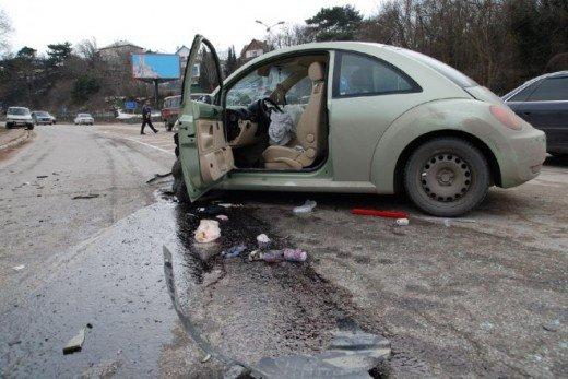 Возле Ялты две машины столкнулись с грузовиком — четверо в больнице (ФОТО), фото-3
