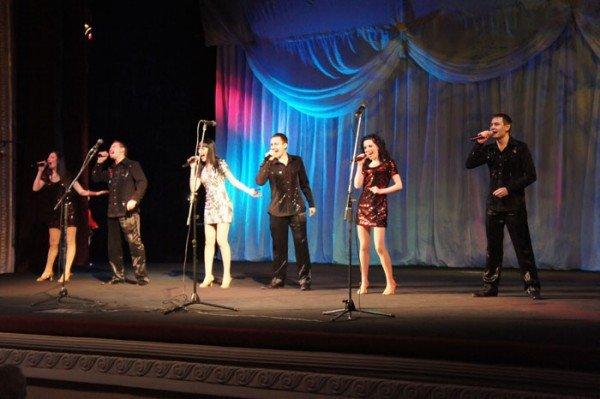 На праздновании 8 марта вице-мэр Роман Васюков воспитывал в милиционерах джентльменов (ФОТО), фото-10