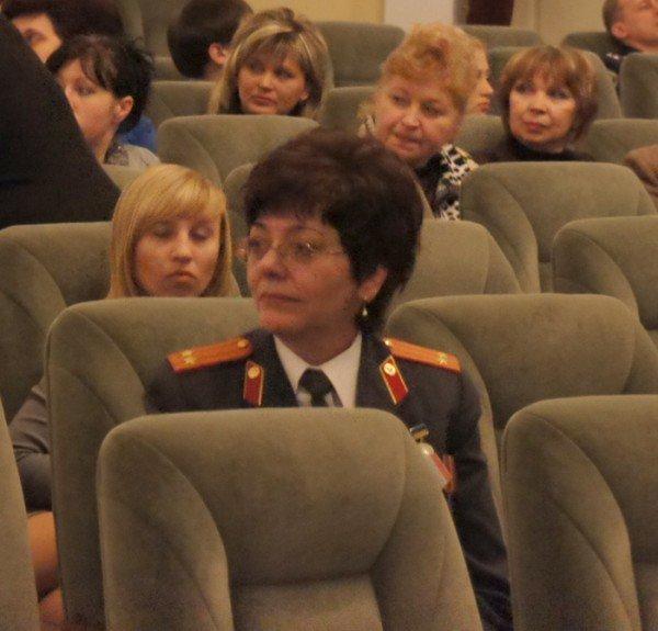 На праздновании 8 марта вице-мэр Роман Васюков воспитывал в милиционерах джентльменов (ФОТО), фото-2