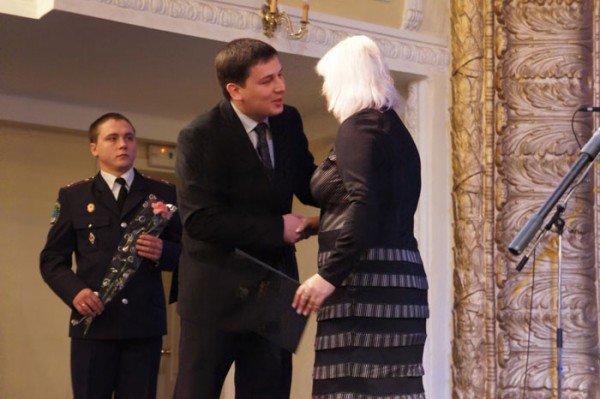 На праздновании 8 марта вице-мэр Роман Васюков воспитывал в милиционерах джентльменов (ФОТО), фото-9
