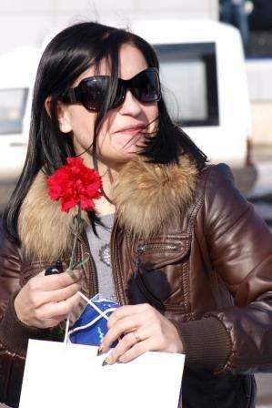 Сотрудники ГАИ «выписывали» 8 марта цветочно-конфетные штрафы, фото-3