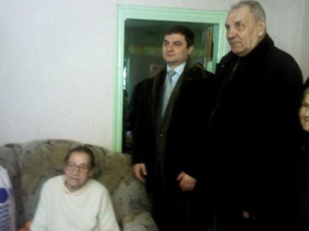 100-летняя горловчанка рассказала мэру, как дожить до столь почтенного возраста, фото-2