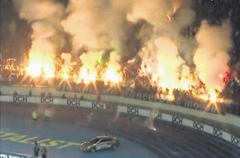 В Харькове фанаты «Метталиста» подожгли стадион (ФОТО), фото-1