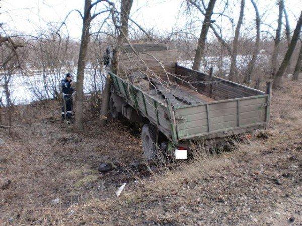 Автобус с пассажирами сбил грузовик на Харьковщине. Есть пострадавшие (ФОТО), фото-2
