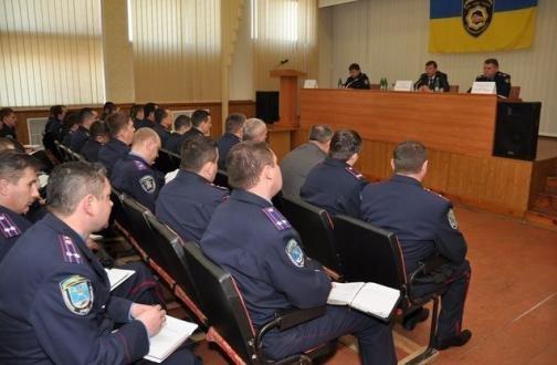 Главный милиционер Николаевщины уверен, что участковые инспекторы милиции нуждаются в служебной подготовке (ФОТО), фото-1