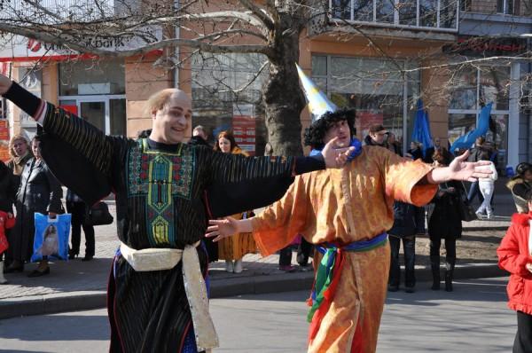 Азербайджанцы в Николаеве встретили весну с огнем, проросшей пшеницей и крашенками (ФОТО), фото-3