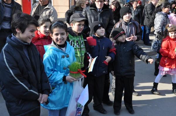 Азербайджанцы в Николаеве встретили весну с огнем, проросшей пшеницей и крашенками (ФОТО), фото-4
