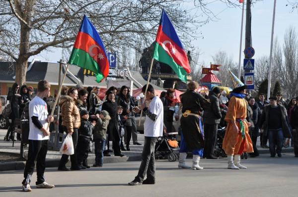 Азербайджанцы в Николаеве встретили весну с огнем, проросшей пшеницей и крашенками (ФОТО), фото-5