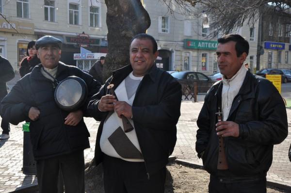 Азербайджанцы в Николаеве встретили весну с огнем, проросшей пшеницей и крашенками (ФОТО), фото-6
