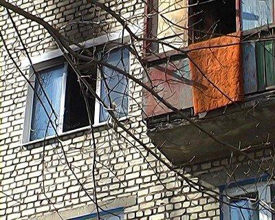 На Луганщине случился пожар. Чтобы не сгореть женщина выпрыгнула из окна (фото), фото-1