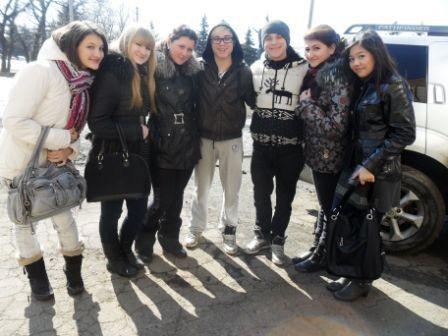 Горловский фанклуб братьв Борисенко удивил кумиров тортом с их изображением, фото-1