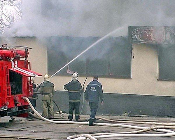 Ночью в Луганске сгорел «Fair Play» (фото), фото-2