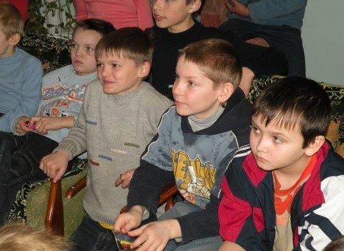 Накануне весенних каникул николаевские ГАИшники устроили для детей развлекательно-познавательное шоу (ФОТО), фото-3
