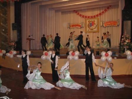 В Горловке чествовали работников культуры и праздновали 60-летний юбилей кинотеатра «Шахтер», фото-4